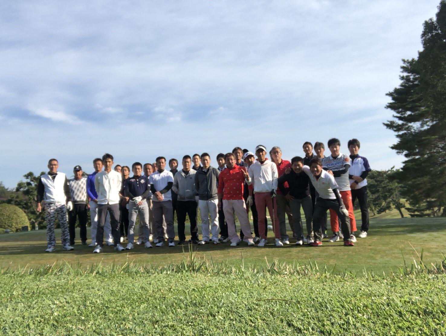 はいっ!第8回カナン杯ゴルフコンペの開催です。